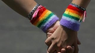 ロシアのLGBT差別がヤバい<動画>同性愛を認めろという風潮 2ch論争