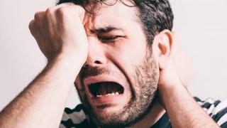 【悲報】ワイ、コンビニで女子高生を泣かしウンコ漏らす