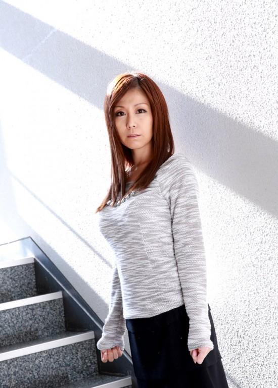 chihiro-akino-4