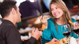 女性が奢ってもらって納得する食事代 年代別の平均 ワロタ・・・
