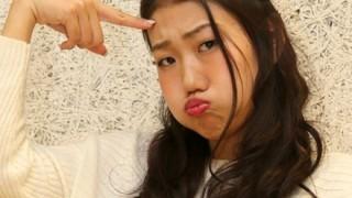 【画像】横澤夏子さん幼少時代 顔が変わってなさ過ぎてオモシロいwwwww