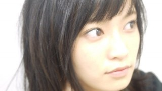 小島瑠璃子さんエッチな自撮り画像をお前らにプレゼント
