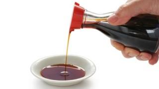 いたずらドッキリ「父親に醤油を飲ませてみたwwwww」→ 結果