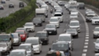 高速道路で渋滞が起こる原因はこういうことらしい<GIfと動画>わかりやすい渋滞のメカニズム