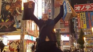 スイスの変態オタク紳士が日本に遊び来た結果<画像>秋葉原で大はしゃぎスイス大使が謝罪