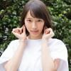 【悲報】吉岡里帆さん生放送ではしゃぎすぎて肩紐が外れオッパイ半分くらい見えるハプニング