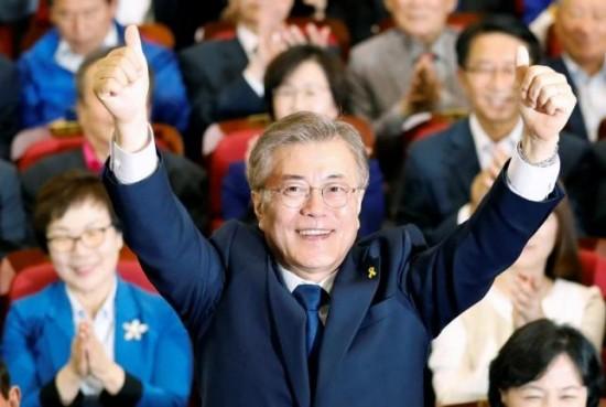 韓国大統領選は文在寅候補勝利へ、「改革と結束推進」