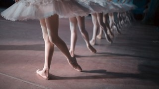 【衝撃】ロシアのバレリーナ(16)の素足 →画像