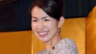 豊田真由子議員「これは金にならない ピョーン」名刺並べて支援者値踏み