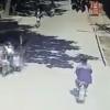 【マジキチ】原付を車で轢いた中国人が被害者を撲殺トドメを刺す衝撃映像 ※GIfと動画※