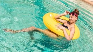 【可能性】13歳少女「プールに入っただけで妊娠したの(´・ω・`)」父親がプール経営者を告訴