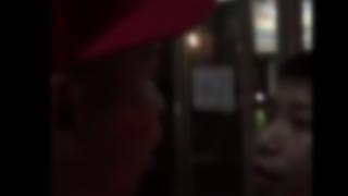 【喧嘩】イキったひょろ男が武闘派にケンカ売ってワンパンKO返り討ち<動画>格の違いを見せつけられるwwwwww