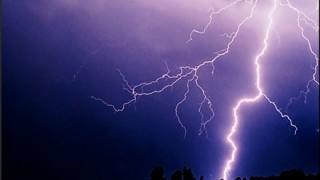 【壮絶】釣り竿に雷が落ちた結果 →画像