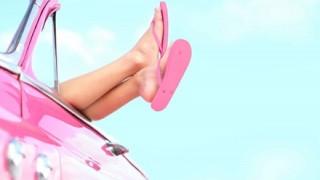 【悲報】女性が持ってるアイスの色がピンクで炎上