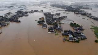 九州豪雨はなぜ起きた? 空気・地形…専門家も驚き「線状降水帯」の存在