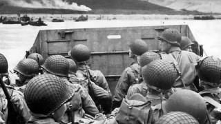 第二次世界大戦中の『ノルマンディー上陸作戦』の写真 ⇒