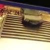 【ま~んさん】地下駐車場と勘違い地下鉄の階段に突入した結果 →GIfと動画