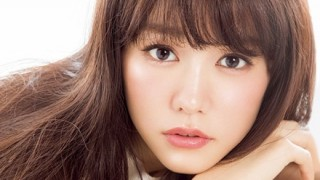 【悲報】桐谷美玲さんの始球式 鶏ガラすぎて怖い・・・ ※画像と動画※