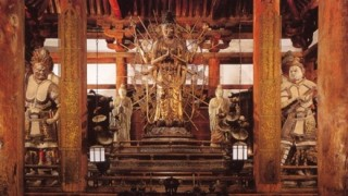 東大寺の国宝・法華堂にハングルの落書き →画像