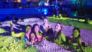 【パリピ発狂】ナイトプールでガチ泳ぎしてみた結果 →GIFと動画