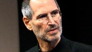 【半分イジメ】Apple本社にあるスティーブジョブズ像がヤバすぎwwwww