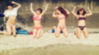 まんさん「ほぼ全裸で海に行ってきたよ(パシャ!」