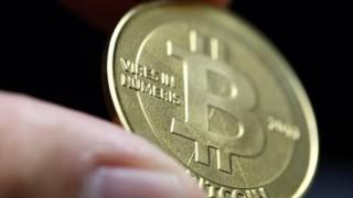 【仮想通貨】ビットコインとうとう4千ドル突破 米ドルに代わる日は近い?