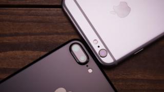【恐怖】膨らみ続けるiPhone8plusが話題
