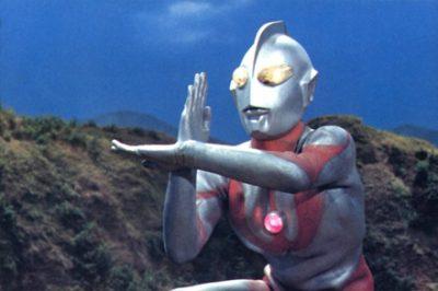 【大炎上】「ウルトラマンをバカにするな!」平和ボケをヒーローで説明した教授に批判殺到