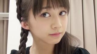 【画像】モー娘。16歳美少女の『谷間』ヤンマガにビキニ掲載!