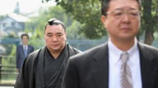パヨクさん「日馬富士の暴行事件は安倍政権のせい」
