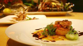 【全裸フレンチ】パリ初『ヌーディスト』レストランの様子がヤバい →動画像