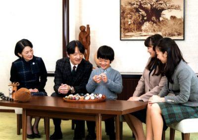 【皇室】宮内庁の文化祭 悠仁さま作品「昔の暮らし」が凄いwwwwwwww