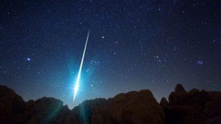 【画像】インド人「隕石やんけ!一緒に記念写真とったろ!」→結果