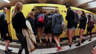 世界各地で開催『パンツなしで地下鉄に乗ろう』企画の様子 →動画像
