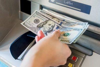 5ドル引き出すと100ドル札が出てくるATMを見つけた結果