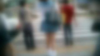 このキャバクラみたいな制服の女子高生 これ何処高校なの?
