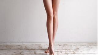 【画像】脚が長い女性たち…世界一脚が長い美人モデルが発見される