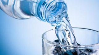 【衝撃】世界で流通してるボトル飲料水90%超に混入しているモノが話題 これって大問題じゃ、、