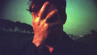 【画像】ショットガンで自分の顔をグシャグシャにしてしまった男性が復活