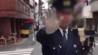 【やりすぎ?】池袋で酔っ払いをはたく警官が撮影され物議 →GIFと動画