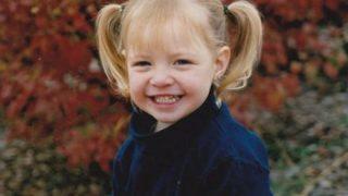 【劣化速度】白人女子の2歳~17歳の成長写真 どうしてこうなった・・・