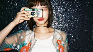【写真対決】カメラマンと素人が『写ルンです』で女の子を撮るとこうなる →画像