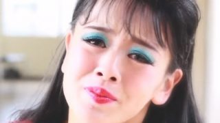 【動画像】芸能デビューしたバブリーダンス林沙耶さん もう脱がされてて笑うw