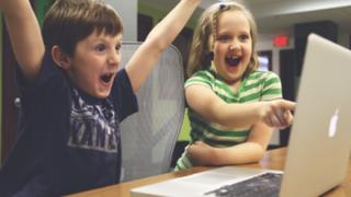 【画像】オンラインゲーム内で7歳女児を『集団レイプ』被害者の母親が告発