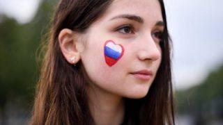 【画像】ロシアの10代娘たちの発育がよすぎると話題に