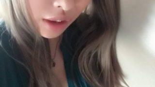 【画像】キングボンビー似の唇セクシーなコスプレイヤーがグラドルデビュー!