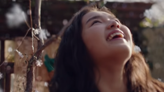 あのCM美少女は誰?『粉雪』を歌う箭内夢菜ちゃん「透明感がスゴイ」と話題 →動画像