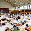 【西日本豪雨】パヨクさん避難所に関するデマ撒き散らし 大臣が怒り ⇒