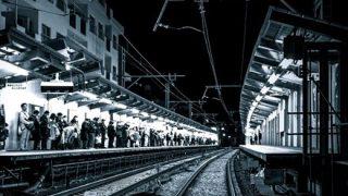 【自殺中継】女子高生が自殺の様子をネット生配信  ホームから線路に飛び込み